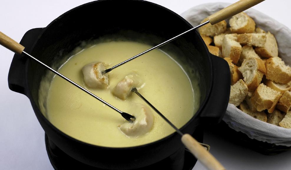 1339589685 syrnoe fondyu Диетические супы – рецепты