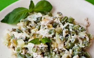 Куриный салат со стручковой фасолью и картофелем