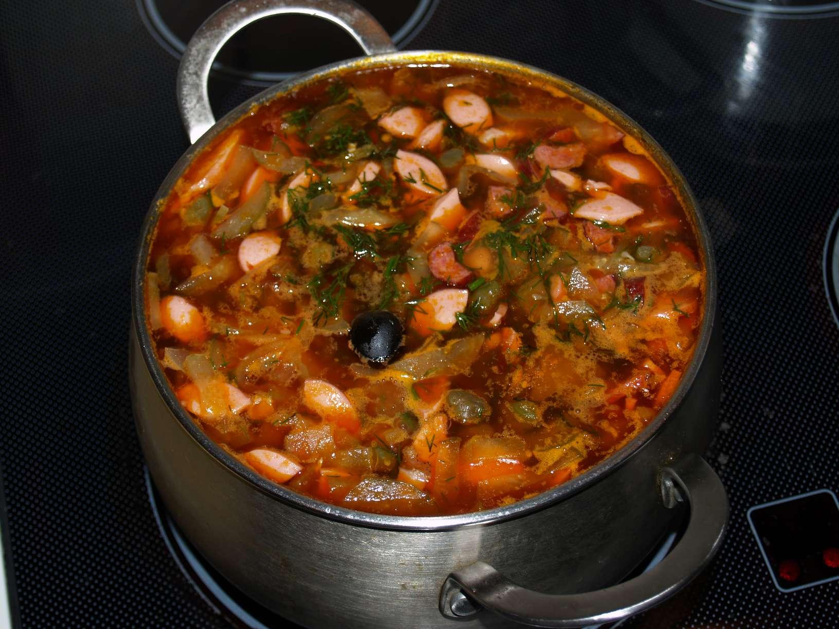 Солянка с мясная классическая рецепт с фото пошаговый с капустой