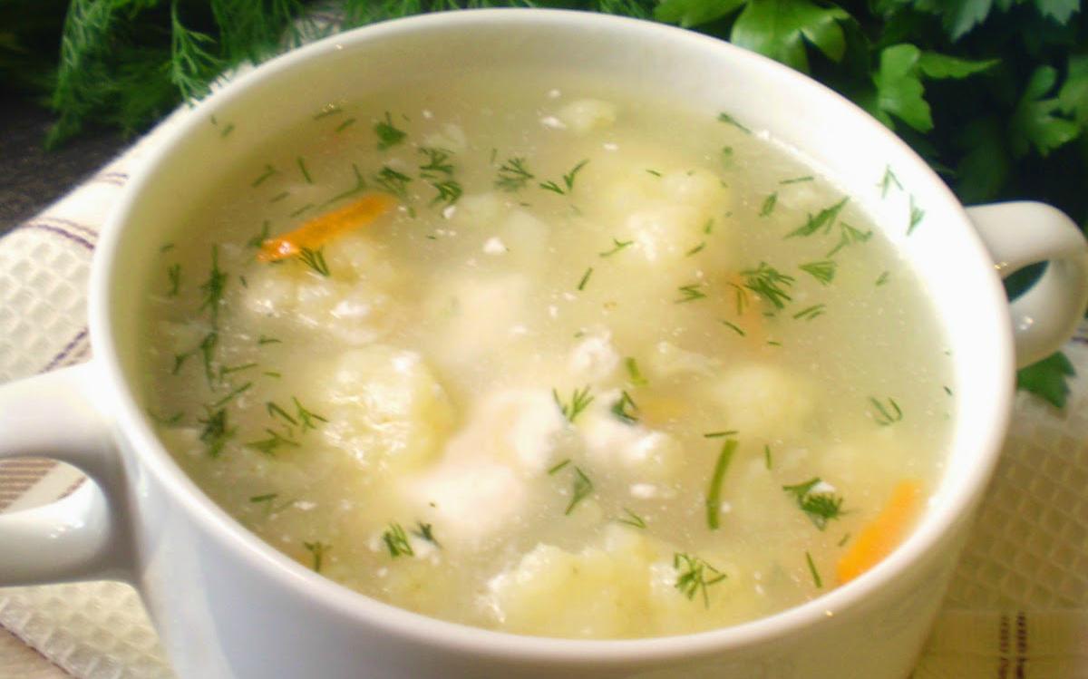 диетический суп из цветной капусты с курицей