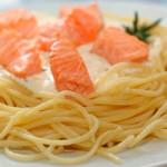 Макароны с копченой рыбой — Рецепт