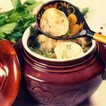 Пельмени в горшочках — Рецепт