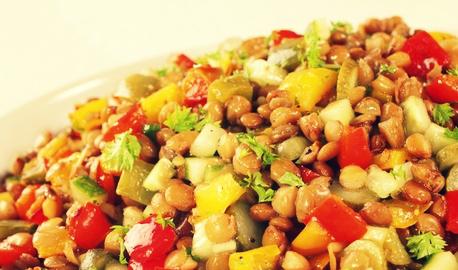 Салат из чечевицы с томатами