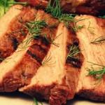 Мясо в духовке с луком — Рецепт