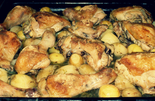 Картошка с кусочками курицы в духовке рецепт
