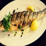 Сибас с розмарином, запеченный в соляной корке — Рецепт