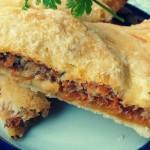 Быстрый пирог с рыбными консервами — Рецепт