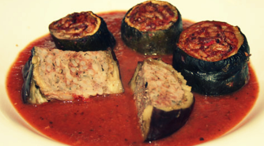 Фаршированные баклажаны с мясом и рисом