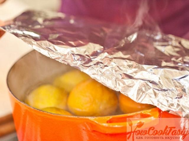 Варить фрукты