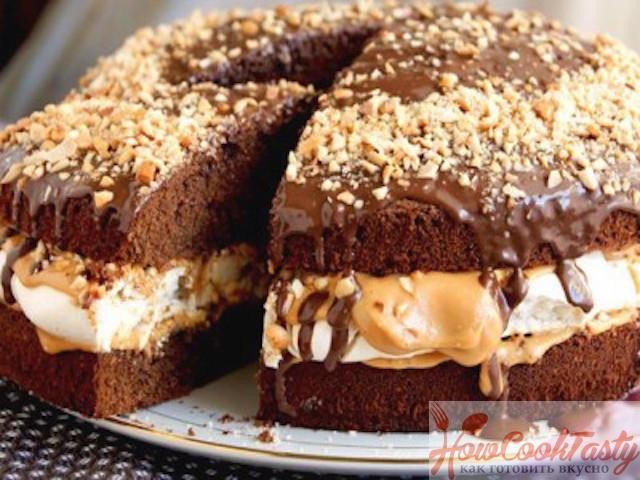 Торт с орехами Сникерс