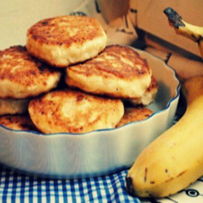 Сырники с бананом и творогом