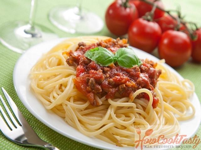 Настоящие спагетти болоньезе с фаршем в домашних условиях