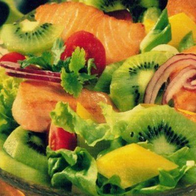 Салат из семги и киви