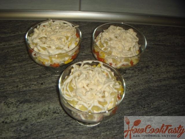 Слоеный салат с копченой курочкой