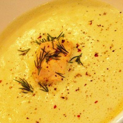 Крем-суп из форели с креветками