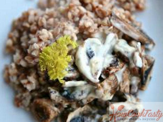 Гречка с лисичками в сливочном соусе — Рецепт