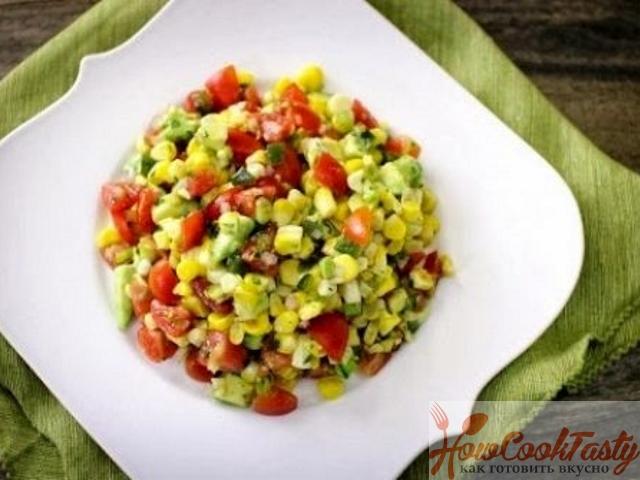 Кукурузный салат с авокадо и томатами — Рецепт
