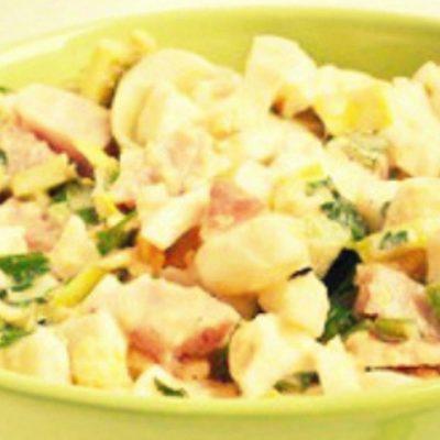 Теплый салат с яйцом и беконом - Рецепт