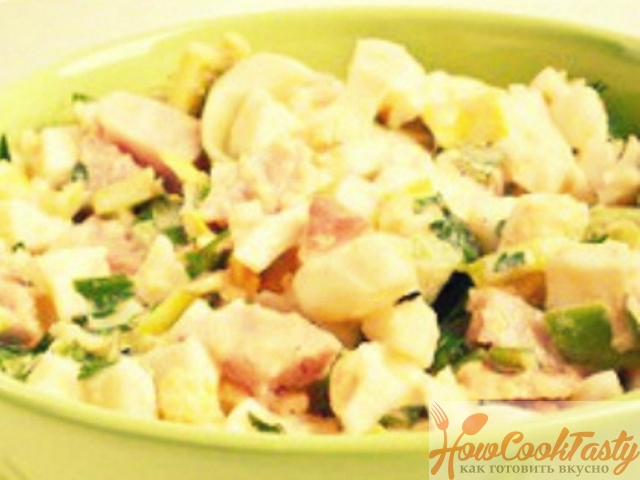 Теплый салат с яйцом и беконом — Рецепт