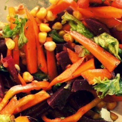 Салат со свеклой, морковью и кукурузой - Рецепт