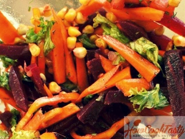 Салат со свеклой, морковью и кукурузой