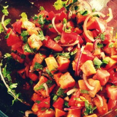 Салат из папайи и помидоров