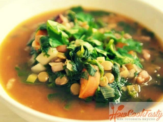 Суп с чечевицей и шпинатом