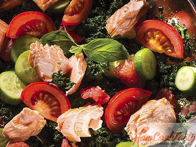 Салат из шпината с семгой и грейпфрутом