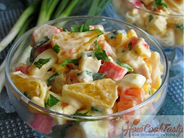 Салат из крабовых палочек с апельсинами