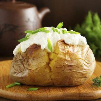Картофель в мундире с сыром