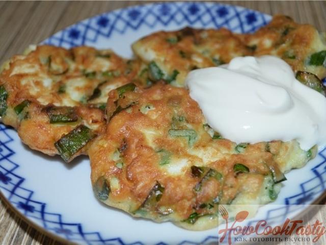 Ленивые пирожки с яйцом и зеленым луком