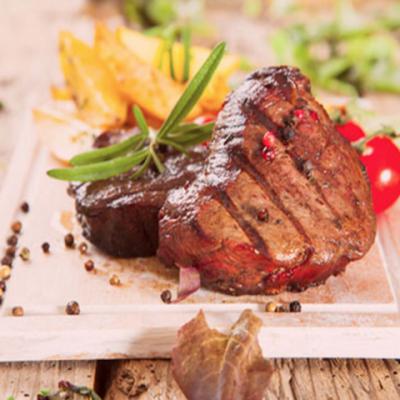 Говяжьи стейки с жареными помидорами черри - Рецепт