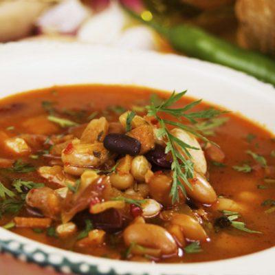 Суп с фасолью и копченостями - Рецепт