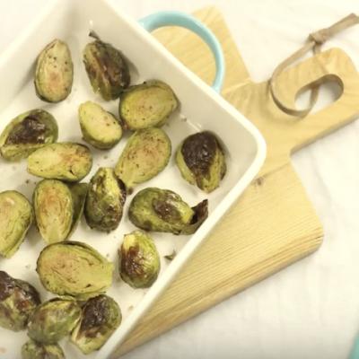 Запеченная брюссельская капуста с чесноком - Рецепт