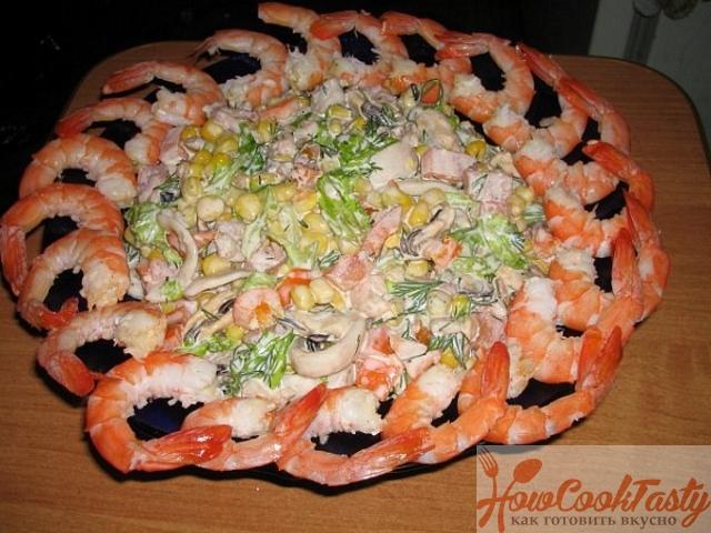 Как приготовить салат морской коктейль