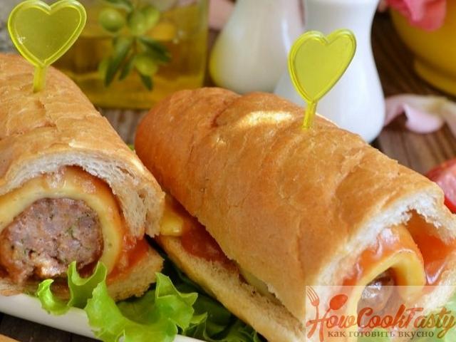 Cэндвич с фрикадельками