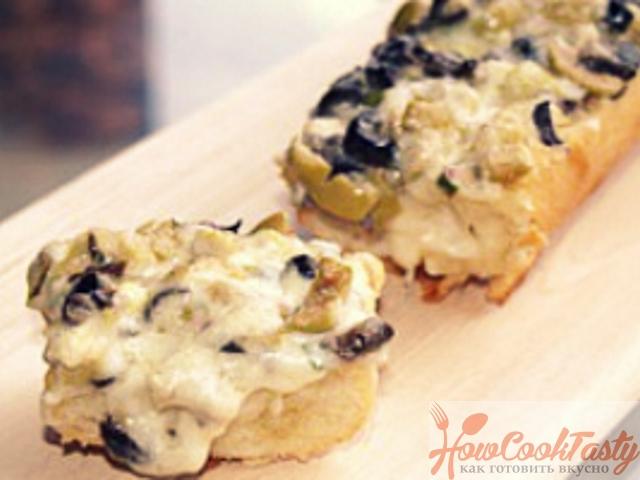 Бутерброды с сыром и маслинами