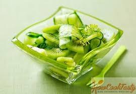 салат из киви, авокадо и огурца